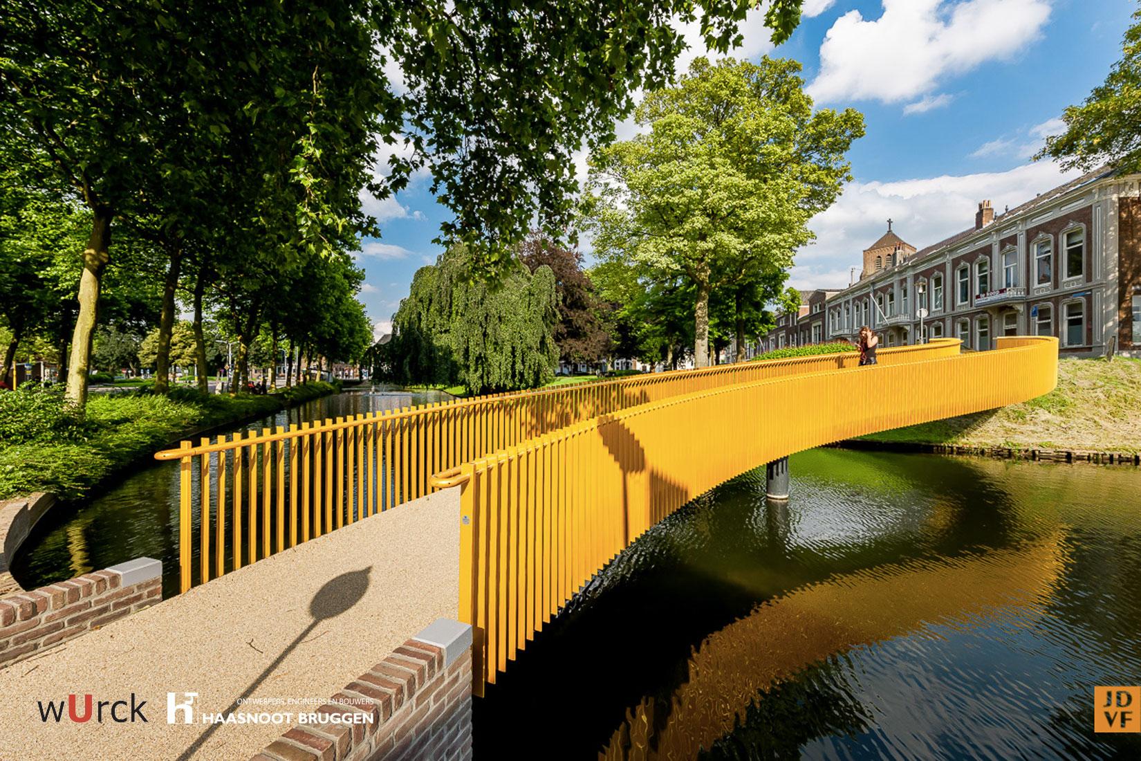Haasnoot Bruggen levert bijzondere brug in gemeente Tiel. Ontwerp in samenwerking met Wurck.