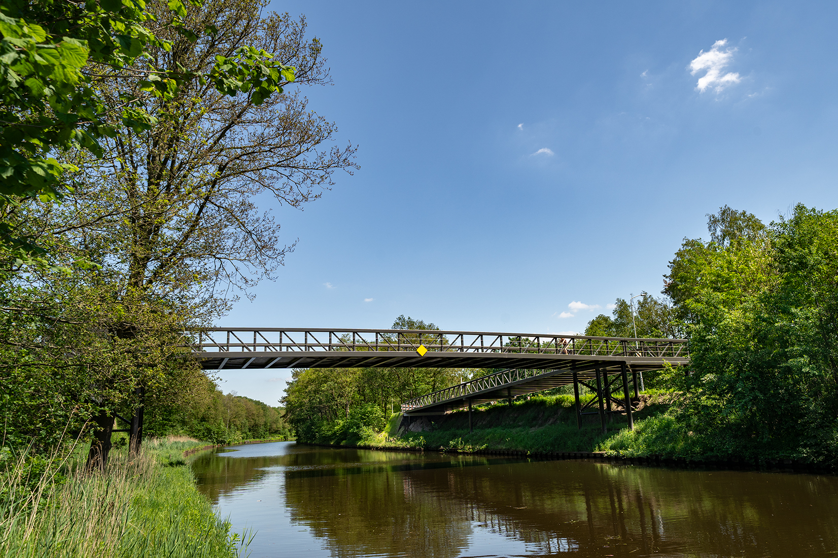 Nieuwe brug over het kanaal bij Best door Haasnoot Bruggen